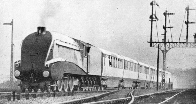 "The ""Silver Jubilee"" on its experimental run"