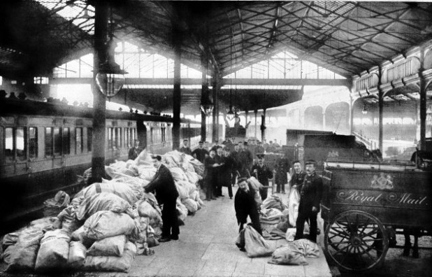 Arrival of the South African mail at Waterloo station