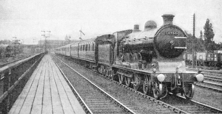 An Aberdeen-Glasgow express departing from Perth for the south