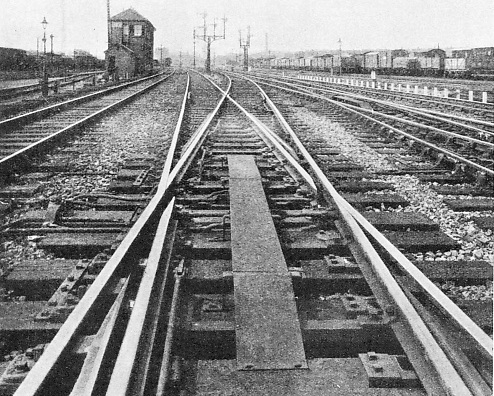 Movable diamond corssings at Old Oak Common